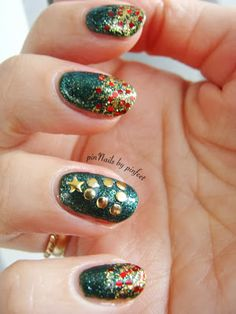 PinNails: Gelish Christmas in Green x 2