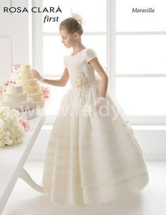 Beautifully elegant, sensual, and sophisticated wedding dresses created by designer Rosa Clará. Holy Communion Dresses, First Holy Communion, My Princess, Wedding Flower Girl Dresses, Girl Costumes, Special Occasion Dresses, Marie, Ball Gowns, Party Dress