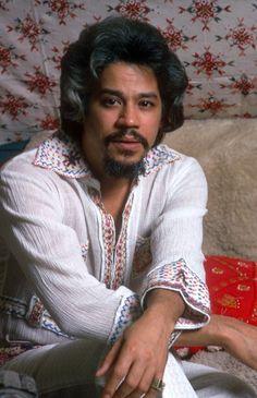 Johnny Pacheco shooting for the album cover with Celia Cruz!  www.fania.com