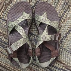 Chacos size women's 7 barely worn Women's chacos in mint condition! Any questions, just ask! Chacos Shoes Sandals