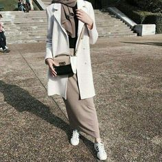 ideas fashion hijab style tutorials for 2019 Street Hijab Fashion, Hipster Fashion, Muslim Fashion, Modest Fashion, Trendy Fashion, Fashion Outfits, Style Fashion, Ootd Fashion, Hipster Rock