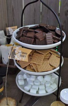 A s'mores bar is a fun dessert for fireside festivities. Great accompaniment… A s'mores bar is a fun dessert for fireside festivities. Great accompaniment to the table top s'more burners! Dessert Party, Snacks Für Party, Dessert Tables, Party Recipes, Party Favors, Dessert Ideas For Party, Summer Recipes, Sweet 16 Parties, Summer Parties