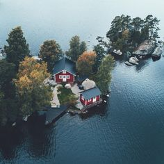 wanna live there. just a quiet, simple life..