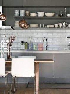 Grey kitchen cabinets & metro tiles - contemporary and chic kitchen style. Kitchen Cabinets Light Wood, Kitchen Cabinet Design, Kitchen Interior, Kitchen Shelves, White Cabinets, Interior Modern, Grey Cupboards, Wood Cabinets, Modern Decor