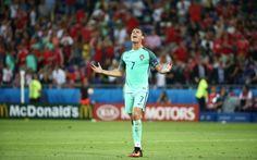 Cristiano Ronaldo est dans la tourmente. Et bon nombre d'autres footballeurs avec lui, tous accusés d'évasion fiscale à grande échelle. Un consorti...