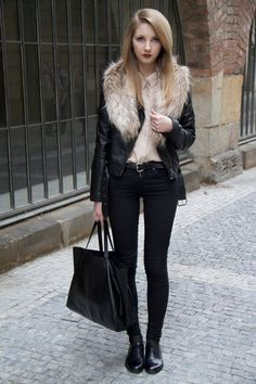 Wear a black leather jacket with black slim jeans and you'll look like a total babe. A cool pair of black leather oxford shoes is an easy way to upgrade your look.   Shop this look on Lookastic: https://lookastic.com/women/looks/biker-jacket-dress-shirt-skinny-jeans/14339   — Beige Dress Shirt  — Beige Fur Scarf  — Black Leather Biker Jacket  — Black Leather Belt  — Black Skinny Jeans  — Black Leather Tote Bag  — Black Leather Oxford Shoes