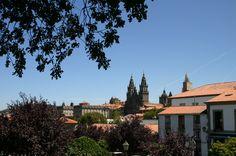 Catedral de Santiago de Compostela. Fotografía tomada desde el Paseo de los Leones, en la Alameda.