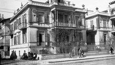 Μια από τις οικίες της Εστέρ Ντε Μποτόν σε φωτογραφία του αρχιτεκτονικού γραφείου Π. Αριγκόνι