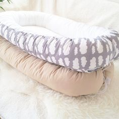Babynest baby nest / Grey with white clouds от BelisaBrand