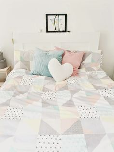 Spare room, welcoming, clean, fresh, neutral, space saving #FashionYourHome