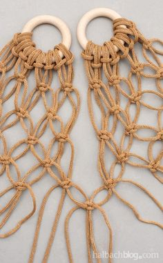 Macrame Bag, Macrame Knots, Diy Bags Tutorial, Hairpin Lace Crochet, Crochet Clutch, Macrame Patterns, Handmade Bags, Plastic Craft, Popsicle Stick Crafts