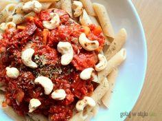 Penne z suszonymi pomidorami i nerkowcami :)
