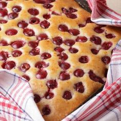 This simple and impressive cherry cake recipe is very delicious and easy to make. Easy to Make Cherry Cake Recipe from Grandmothers Kitchen. Cherry Cake Recipe, Hungarian Desserts, Blueberry Cake, Winter Food, Coffee Cake, Cake Recipes, Food And Drink, Favorite Recipes, Snacks