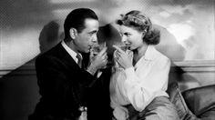A 71 años de su estreno queremos recordar algunos datos curiosos sobre Casablanca, una de las películas clásicas más importantes de la historia del cine. http://www.linio.com.mx/libros-y-musica/cine/
