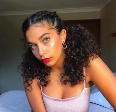 - 💖Tutorial coming soon 💖 - Just came back from watching Bruno Mars. WOW 😫 So much talent I'm taken back. Who is keen to see how I… curly hair styles Baddie Hairstyles, Braided Hairstyles, Hairstyles For Curly Hair, Braids For Curly Hair, Short Curly Hairstyles, Curly Bun Hairstyles, Curly Ponytail, Frontal Hairstyles, Curly Short