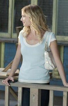 Emily's pastel blue and white sweater on Revenge.  Outfit Details: http://wornontv.net/9269/ #Revenge