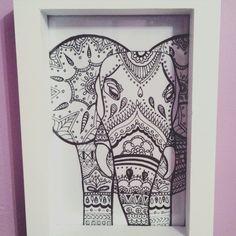 Elephant Mándala black and white