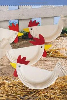 Hühner aus Papptellern; Link führt leider nur zu einem Bastelbuch bei amazon, aber diese Hühner kriegt ihr auch so hin, oder?