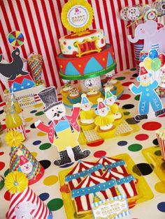 Party printables anniversaire enfant thème cirque #cirque #anniversaire #enfants #printables #sweettables