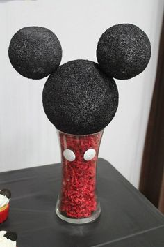New craft birthday party mickey mouse 68 Ideas Mickey Mouse Birthday Decorations, Mickey Mouse Crafts, Theme Mickey, Fiesta Mickey Mouse, Mickey Mouse Parties, Mickey Craft, Mickey Mouse Party Decorations, Disney Parties, Mickey 1st Birthdays