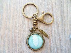 Anhänger - Schlüsselanhänger ❦ Feder in mint ❦  - ein Designerstück von Flinke-Perle bei DaWanda