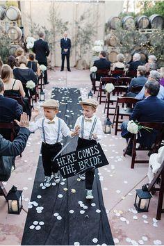 Such cuties!! / A Sacramento Wedding Inspired by The Great Gatsby / Heather Elizabeth Photography