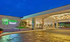 Travel with ManiRam Tours: Holiday Inn Beach Resort 5* (GOA)