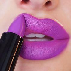 23 Stunning Lip Makeup Ideas That You Should Try Out - lipstick , matte lipstick ,liquid lipstick Blue Lipstick, Lipstick Shades, Lipstick Colors, Lip Colors, Liquid Lipstick, Nice Lips, Perfect Lips, Dark Red Lips, Unique Makeup