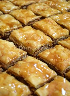 Close up of Baklava Czech Recipes, Greek Recipes, Desert Recipes, Ethnic Recipes, Lebanese Desserts, Baklava Recipe, Fudge, Sweet Desserts, Graham