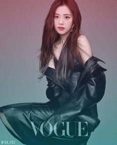 Han Hyo Joo covers the March edition of Vogue Taiwan, she looks amazing. Korean Beauty, Asian Beauty, Asian Woman, Asian Girl, Bh Entertainment, W Two Worlds, Leder Outfits, Kim Jisoo, Jennie Lisa