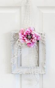 shabby chic wreaths | Project: Shabby Chic Frame Wreath - CLICK HERE for instructions