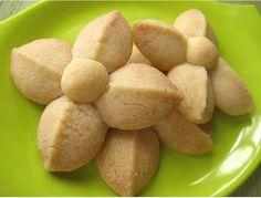 Kleeb Lamduan: Thai Shortbread Cookies ขนมกลีบลำดวน | Thai Food by SheSimmers
