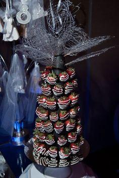 """Chocolate covered strawberries """"cake"""""""