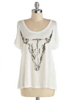 Steer to My Heart Tee. Take your pioneering style westward in this semi-sheer cow skull tee! #white #modcloth