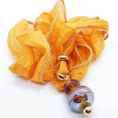 """""""Golden Ball"""" Unikat-Glasperlen Anhänger auf Reinseide Bernstein, Pendants, Glass Beads, Silk, Silver, Nice Asses, Pendant, Charms"""