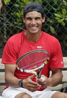 Rafa is the cutest thing ever. Rafael Nadal, Roger Federer, Maria Sharapova, Serena Williams, Osaka, Federer Nadal, Nadal Tennis, Tennis Match, Pro Tennis