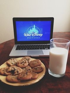 My kind of movie night Walt Disney Pictures, About Time Movie, Me Time, Disney Love, Morning Coffee, Glass Of Milk, Food Porn, Snacks, Cooking