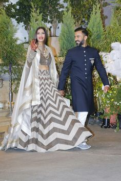 Mr and Mrs Ahuja Dress Indian Style, Indian Wear, Indian Outfits, Bollywood Outfits, Bollywood Fashion, Eastern Dresses, Lehnga Dress, Bollywood Wedding, Lehenga Designs