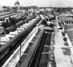 Estacion de Ferrocarriles de BuenaVista en la década de los 30's.  Al fondo se ve el Monumento a La Revolución.