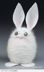 100 Dollar Store Easter Crafts Get crafty this spring for less with these dollar store easter crafts. From DIY Easter decor to easter crafts for kids, there are plenty of fun craft ideas Spring Crafts For Kids, Bunny Crafts, Easter Art, Easter Crafts For Kids, Easter Bunny, Easter Eggs, Diy Osterschmuck, Fun Diy, Diy Easter Decorations