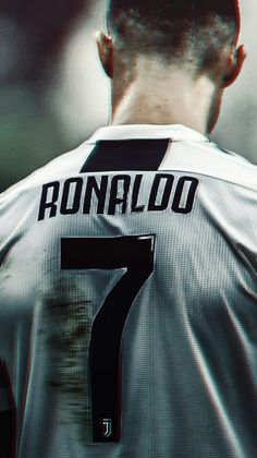 Trending Photo de Cristiano Ronaldo : (notitle)You can find Cristiano ronaldo and more on our website. Cristiano Ronaldo 7, Christano Ronaldo, Cristiano Ronaldo Wallpapers, Ronaldo Football, Ronaldo Real Madrid, Cr7 Messi, Lionel Messi, Neymar, Cr7 Wallpapers