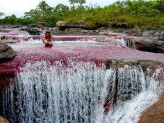 De rodillas ante la madre naturaleza en #LaMacarena #Meta. #FotoDelDia EnMiColombia.com