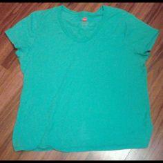 Hanes t-shirt Hanes t-shirt  Never worn  Sz XL Tops Tees - Short Sleeve