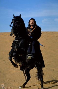 Oded Fehr in The Mummy Returns