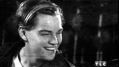 Leonardo Dicaprio Smoking, Young Leonardo Dicaprio, Leonardo Dicapro, Leo And Kate, Jack Dawson, Titanic Movie, Johny Depp, A Guy Like You, Beautiful Boys