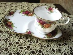 Old Country Roses Vintage 1962-1973 Royal Albert Bone China Tennis Set Snack Plate and Tea Cup Made in England