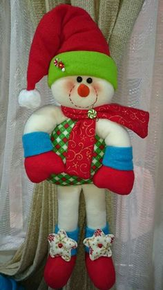 Christmas Wreaths, Christmas Crafts, Christmas Decorations, Christmas Ornaments, Holiday Decor, Homemade Crafts, 4th Of July Wreath, Snowman, Decorating