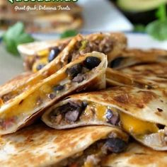 Ground Beef Quesadillas - These cheesy ground beef quesadillas are an easy and delicious quesadilla recipe loaded with hamburger, cheese and black beans. Mexican Food Recipes, Beef Recipes, Cooking Recipes, Mexican Dishes, Beef Meals, Hamburger Recipes, Skillet Recipes, Cooking Tools, Ground Beef Quesadillas