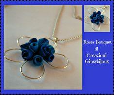 Collana con ciondolo fiore blu bouquet di roselline in fimo fatto a mano, by Creazioni Giusybijoux, 18,00  su misshobby.com