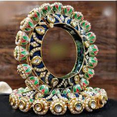 Indian Jewelry Earrings, Indian Jewelry Sets, Fancy Jewellery, Indian Wedding Jewelry, Hand Jewelry, Kundan Jewellery Set, Kundan Set, Egyptian Jewelry, Egyptian Art